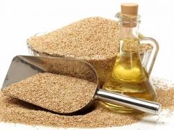 خواص روغن کنجد - 9 خاصیت درمانی روغن کنجد برای پوست، مو و بدن | سلامت